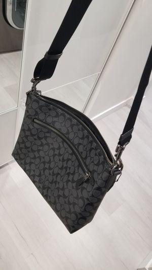 COACH Messenger Bag men's for Sale in Bellevue, WA