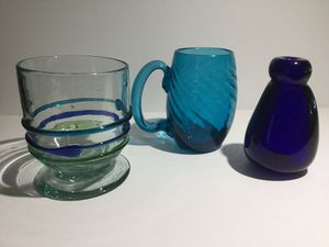 COLLECTION OF 3 VINTAGE COLORED HAND BLOWN GLASS DECOR for Sale in Ocoee, FL