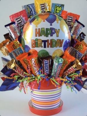 Birthday candy bouquet!! Gift! Choose Graduation! Anniversary! Anything u like! for Sale in Dearborn Heights, MI