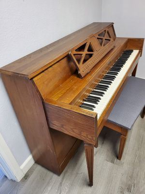 Upright piano x FREE DELIVERY for Sale in Los Angeles, CA