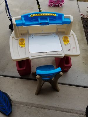 Kids art desk. for Sale in Bulverde, TX