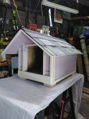 New doghouse small size $45 firm for Sale in Colton, CA