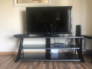 Black entertainment center/ end tables/ coffee table for Sale in Hayden Lake, ID