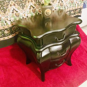Cool little vintage side table/ storage dresser! for Sale in Everett, WA