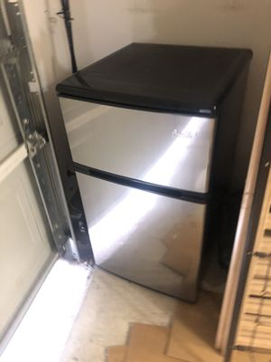 Mini Refrigerator/ freezer for Sale in Austin, TX