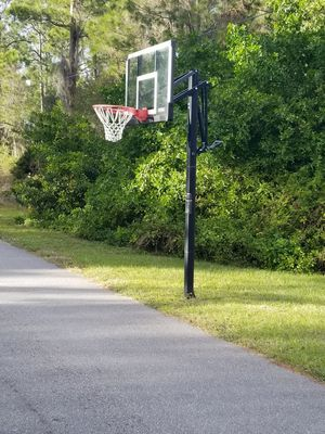 Lifetime 54 glass basketball hoop for Sale in North Port, FL
