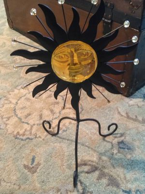 Pretty Metal and Glass Collectable for Sale in Wilder, KY