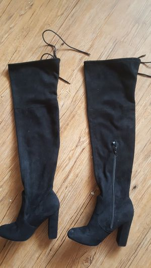 High heel boots, size 6 super pretty for Sale in Denver, CO