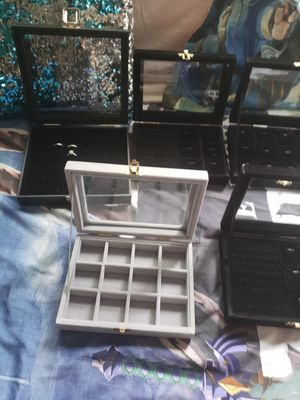 Jewelry display for Sale in Crestwood, IL