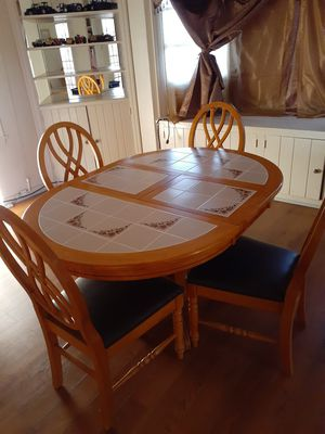 Dinning table for Sale in French Camp, CA