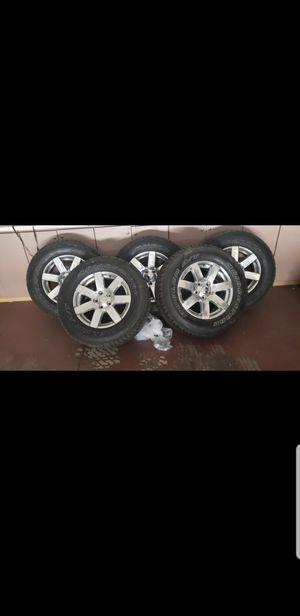 Bridgestone A/T 255-70-18 for Sale in Las Vegas, NV