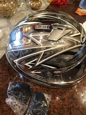 KBC Like new Large sz Motorcycle helmet zr2 w bag xtras for Sale in Mt. Juliet, TN
