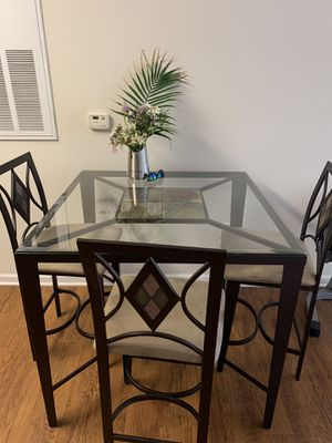 Dining room table w/ 4 chairs for Sale in Morgantown, WV