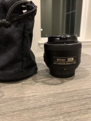 Nikon AF-S DX NIKKOR 35mm f/1.8G Lens with Auto Focus for Nikon DSLR Cameras for Sale in Northglenn, CO