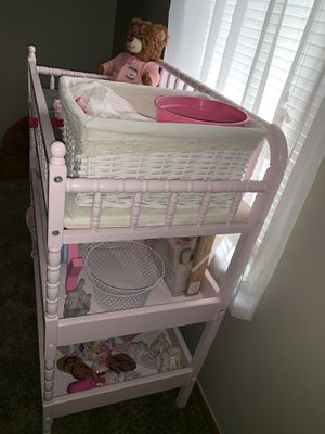 Pink changing table for Sale in Columbus, OH