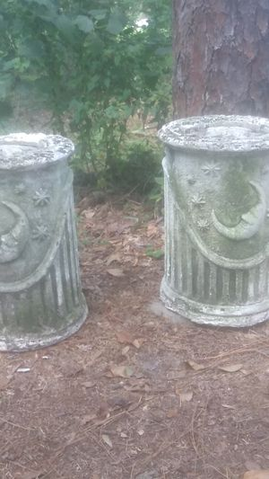 Cement plant holder pillars? for Sale in Plant City, FL