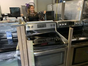 Electric stove whirlpool warranty for Sale in Orlando, FL