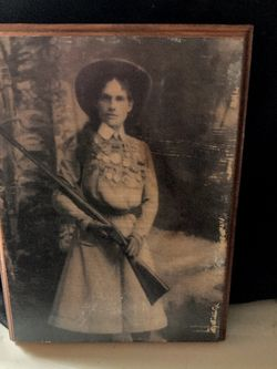 Annie Oakley Picture On Wood Plaque Vintage for Sale in Mesa,  AZ