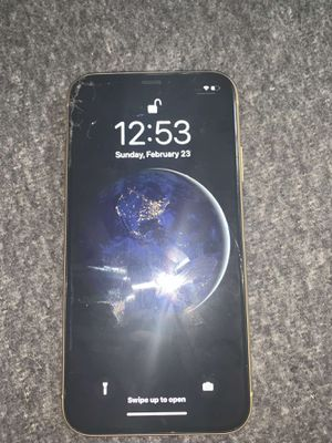 Yellow IPhone XR (Unlocked) SERIOUS INQUIRES ONLY for Sale in Kansas City, MO