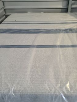 QUEEN Serta iSeries Temptouch Mattress for Sale in Tacoma,  WA