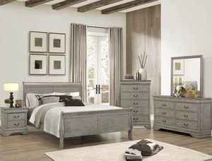 4 PIECE GREY FINISH BEDROOM SET QUEEN SIZE BED DRESSER NIGHT STAND MIRROR for Sale in Moreno Valley, CA