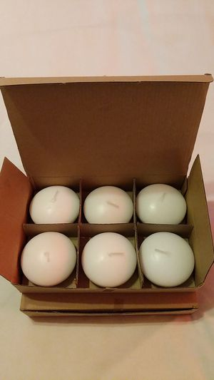 """3"""" unscented white floating candles (11) for Sale in Los Angeles, CA"""