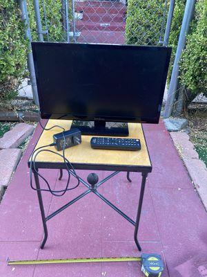 """19"""" Insignia HDMI TV for Sale in Los Angeles, CA"""