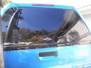 Toyota Tacoma Snugtop Hi-Liner topper for Sale in San Dimas, CA