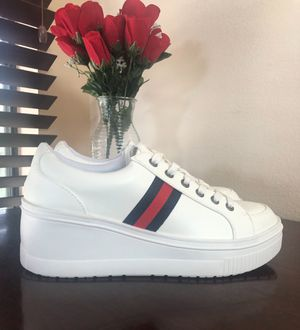 Chunky sneakers, platform shoes women , famous stripes NEW for Sale in Los Angeles, CA