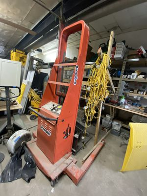 Forklift/lift for Sale in Franklin Park, IL