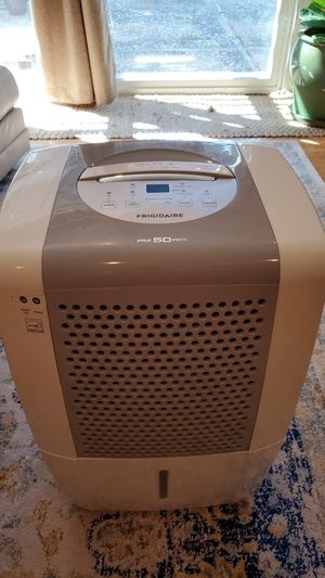 Frigidaire - Dehumidifier 50 Pints for Sale in Lafayette, CA