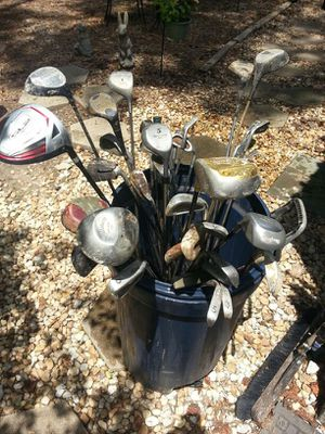 Golf clubs about (40) n full set and bag for Sale in Atlanta, GA