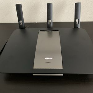 Linksys EA6900 V1.1 Wireless Router for Sale in Seattle, WA