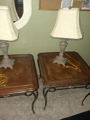 Two end tables plus two lamps for Sale in Land O Lakes, FL