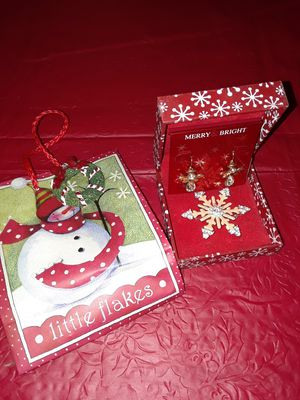 Christmas Earrings and Brooche in gift box and bag for Sale in Deltona, FL