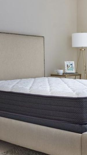 Queen size mattress for Sale in Potomac, MD