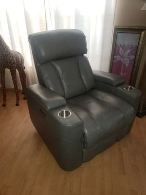 Macy's Grey leather triple electric reclining chair for Sale in Port St. Lucie, FL