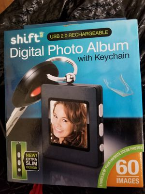 Shift3 digital photo album for Sale in Dallas, TX