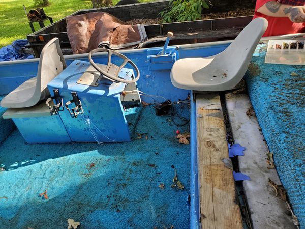 1978 Landa 16ft aluminum bass boat.