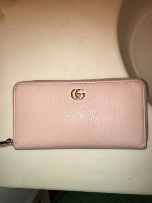 Gucci wallet for Sale in Yardley, PA