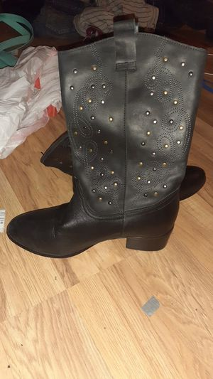 Twiggy london boots for Sale in Kennewick, WA