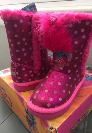 TROLLS BOOTS SIZE 8 for Sale in Hesperia, CA