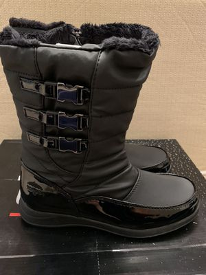 Women's Totes Snow Boots - Size 8 for Sale in Chino, CA
