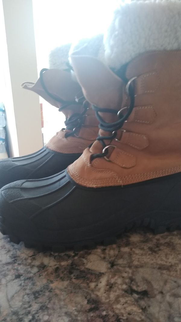 Very good boot waterproof and insulated size 10