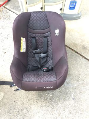 Nice Cosco car seat 5 to 40 lbs expires 2026 for Sale in Fayetteville, NC