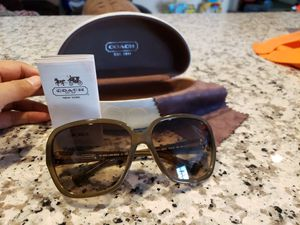 Coach Oilive frame color Woman's sunglasses for Sale in Atwater, CA