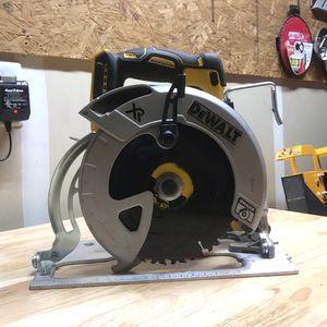 Dewalt XR 20 Volt Circular Saw for Sale in Reedley, CA