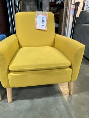 Accent Chair, Yellow for Sale in Santa Fe Springs, CA