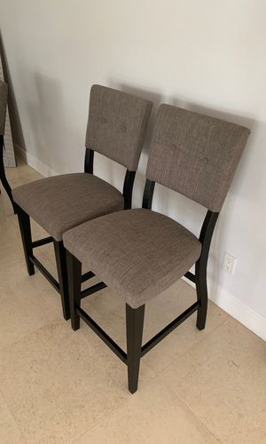 2 Bar Stools for Sale in Fort Lauderdale, FL