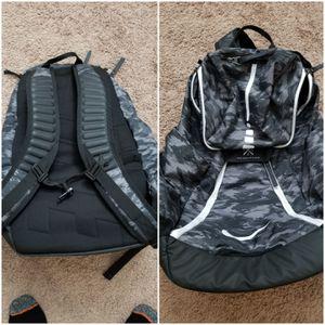 Nike hoops elite max air basketball backpack for Sale in Harbor City, CA